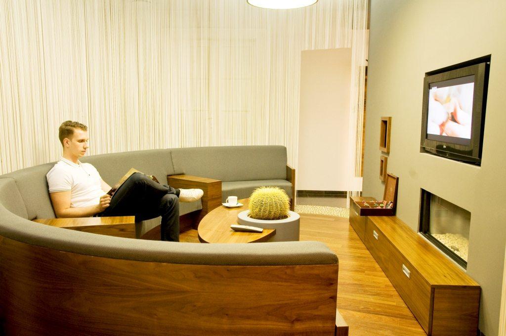 clinique dentaire hongrie salles d attentes 5 photo centre implant maurice. Black Bedroom Furniture Sets. Home Design Ideas