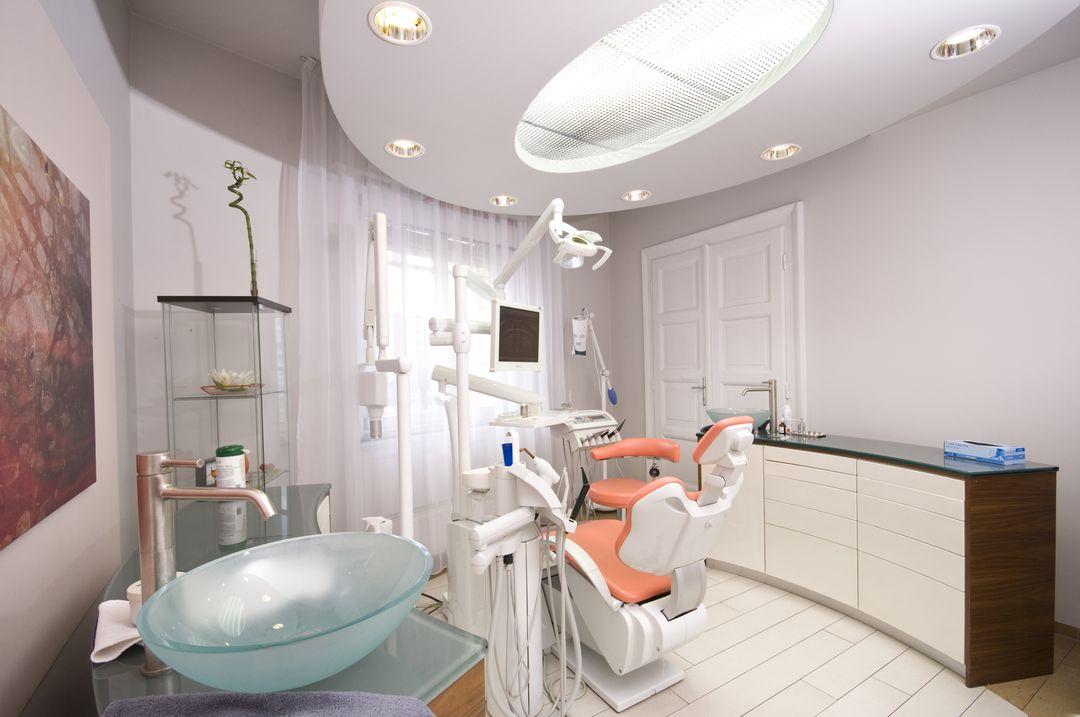 dentiste hongrie clinique dentaire centre implant maurice 06 centre implant maurice. Black Bedroom Furniture Sets. Home Design Ideas