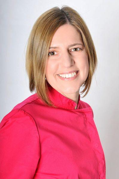 Dr. Adrienn Török