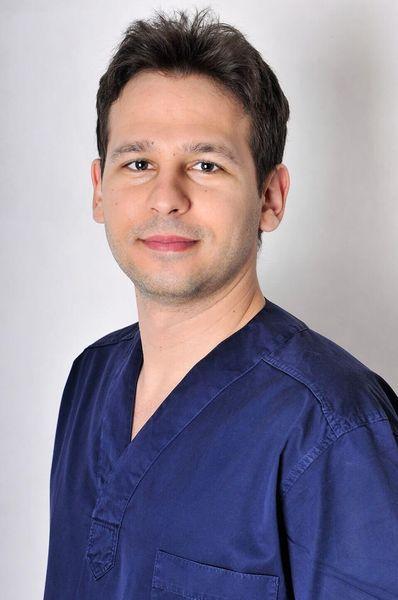 Dr. Zsombor Vécsey